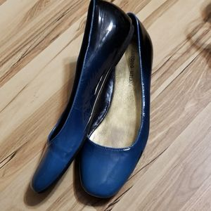 Antonio Melani Blue Ombre Flats
